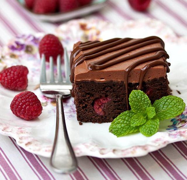 img053-raspberry-truffle-brownies