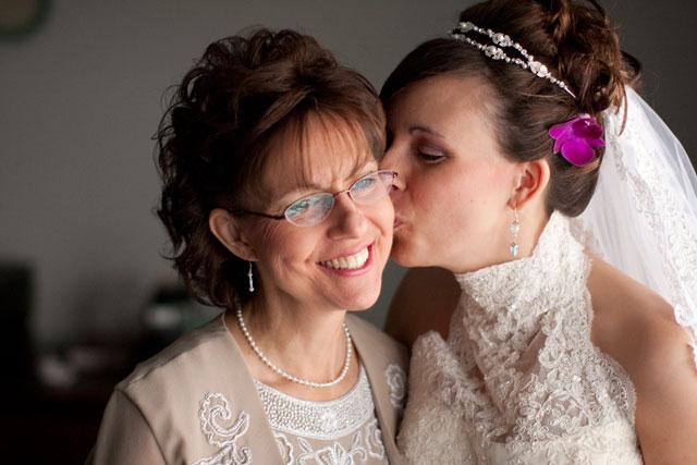 Upper-Room-Me-Kissing-Moms-Cheek-2